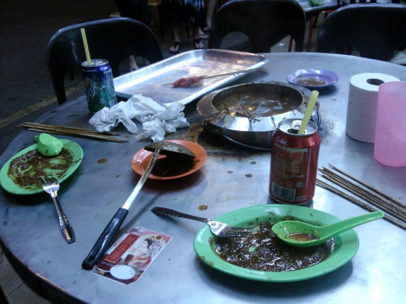 Melaka - Satey Celup - fondue in satey sauce