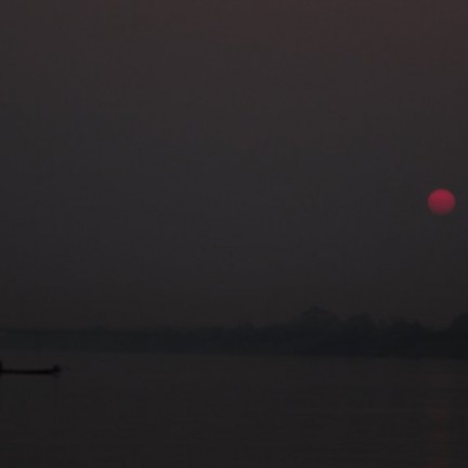 Nong Khai - Zonsondergang in de Mekong rivier