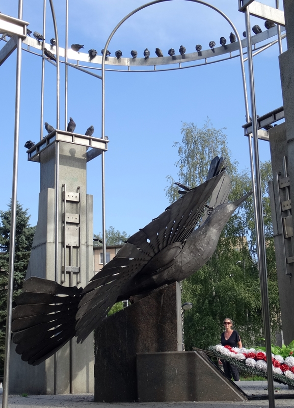 Petrozavodsk - monument 'Bird of happiness and freedom'