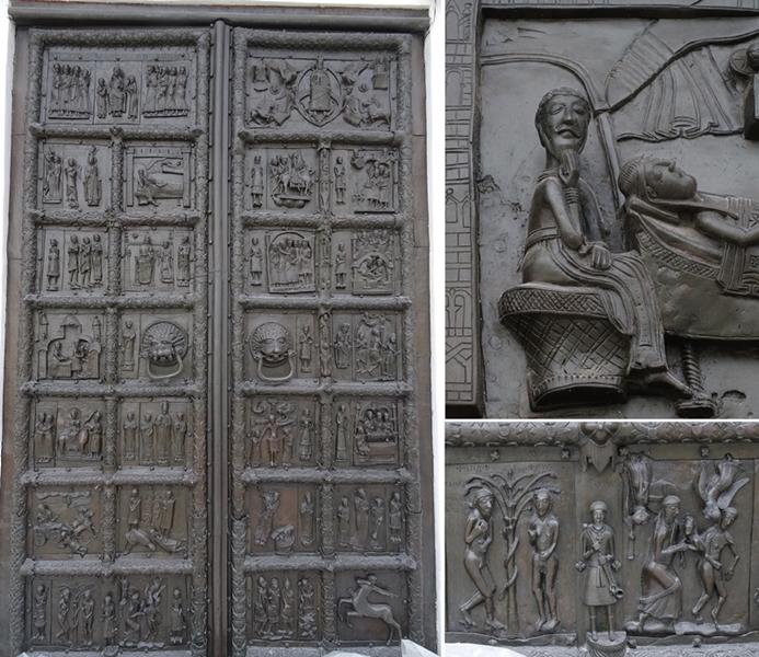 Velikiy Novgorod - kremlin - St. Sophia's Kathedraal - deur