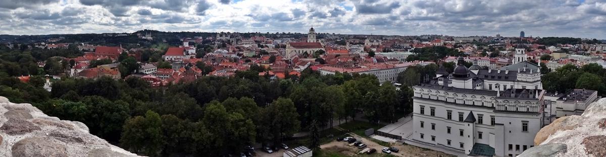 Vilnius - Gediminas heuvel - uitzicht oude stad